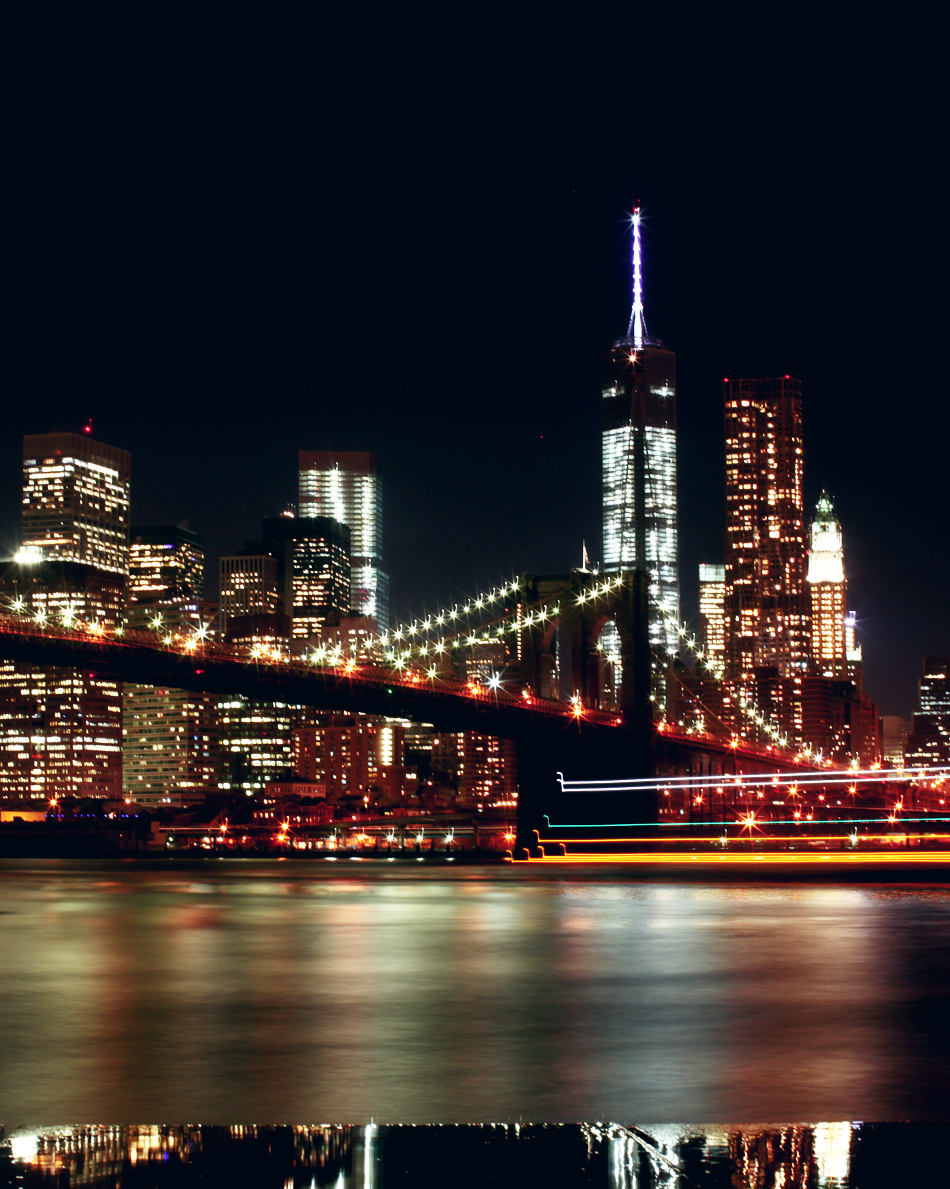 night_time_view_brooklyn_bridge_park_manhattan_world_trade_center