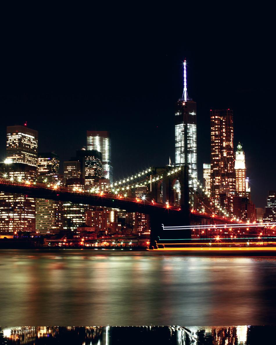 night_time_view_brooklyn_bridge_park_manhattan_world_trade_center
