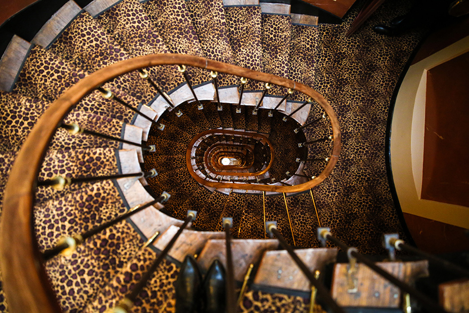 l'hotel paris spiral staircase