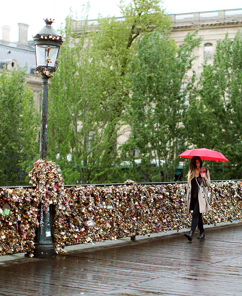 Love Lock Bridge, Paris, France | Jinna Yang | Grease and Glamour