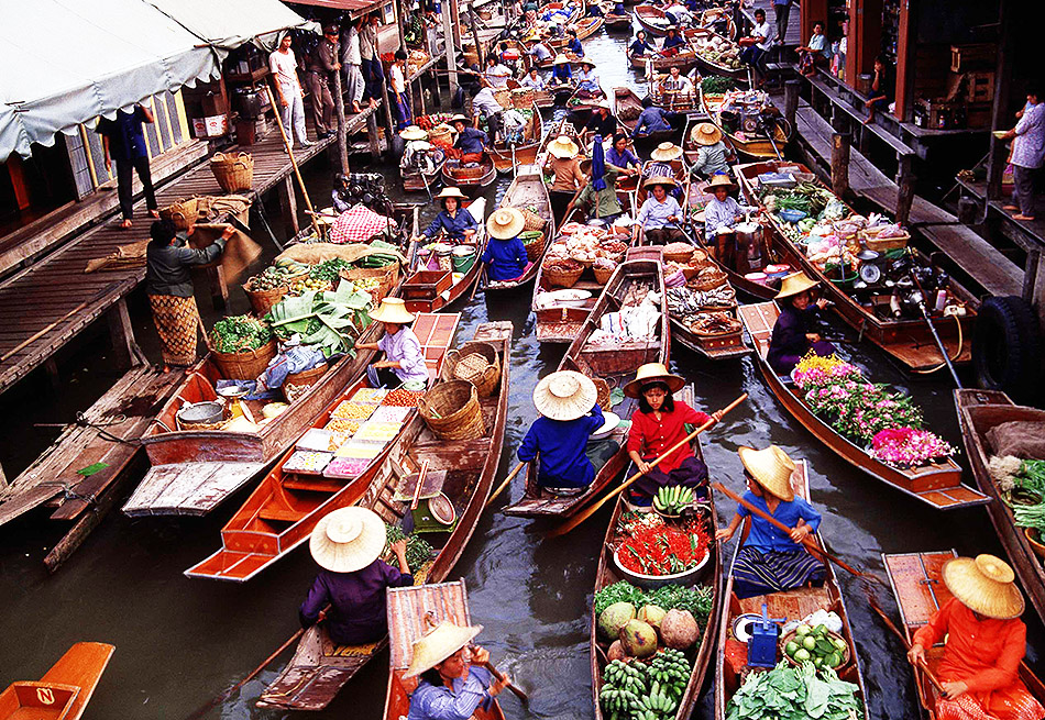 Floating Market in Thailand | Travel