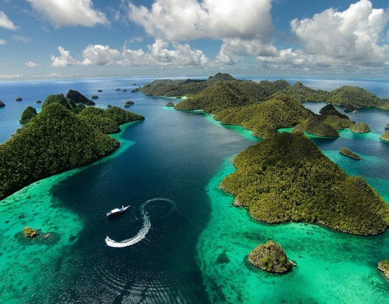 Raja Ampat, Indonesia | The Most Beautiful Places To Snorkel & Scuba Dive | @projectinspo