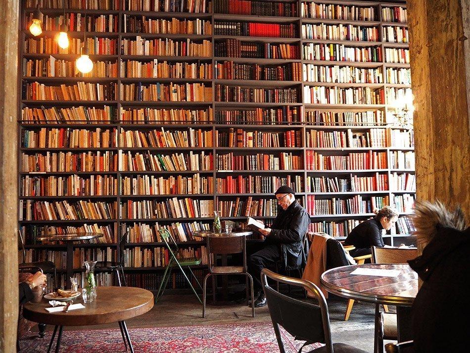 Le Used Book Cafe Paris