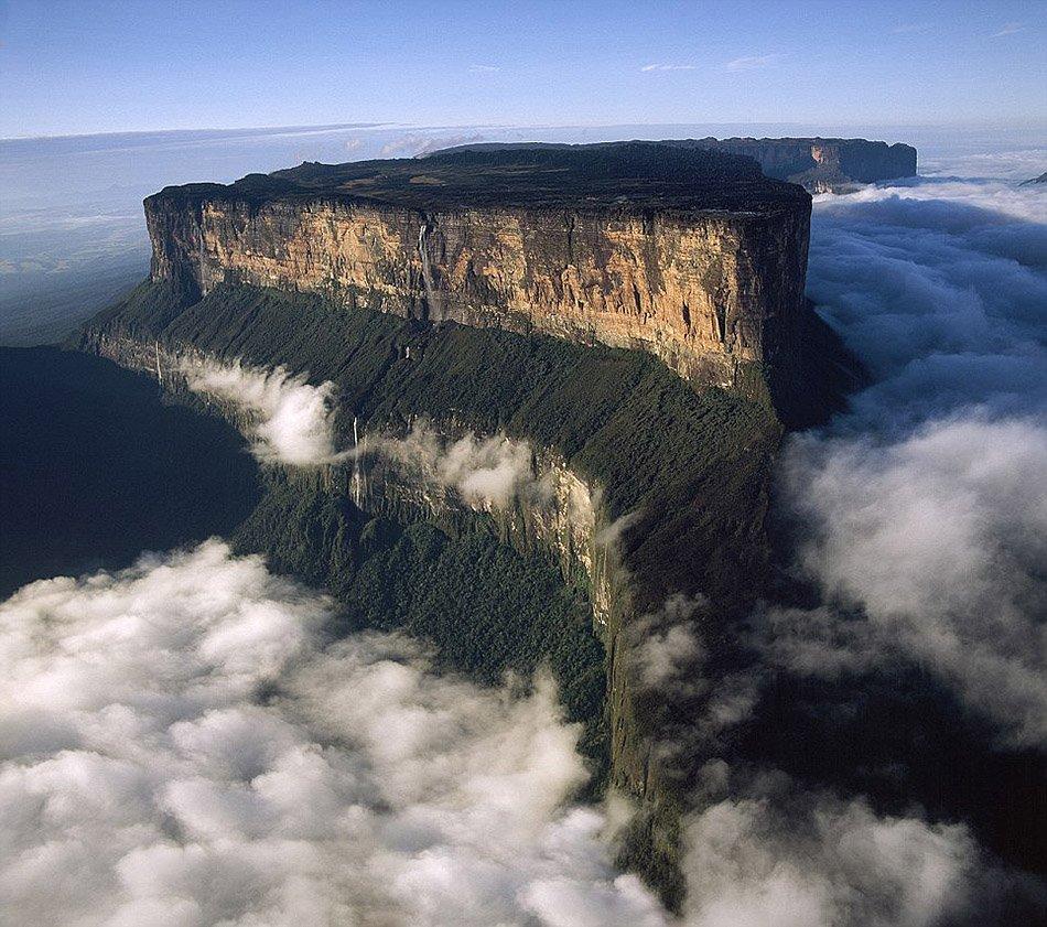 Tepuis, Venezuela South America: Mount Roraima | @projectinspo