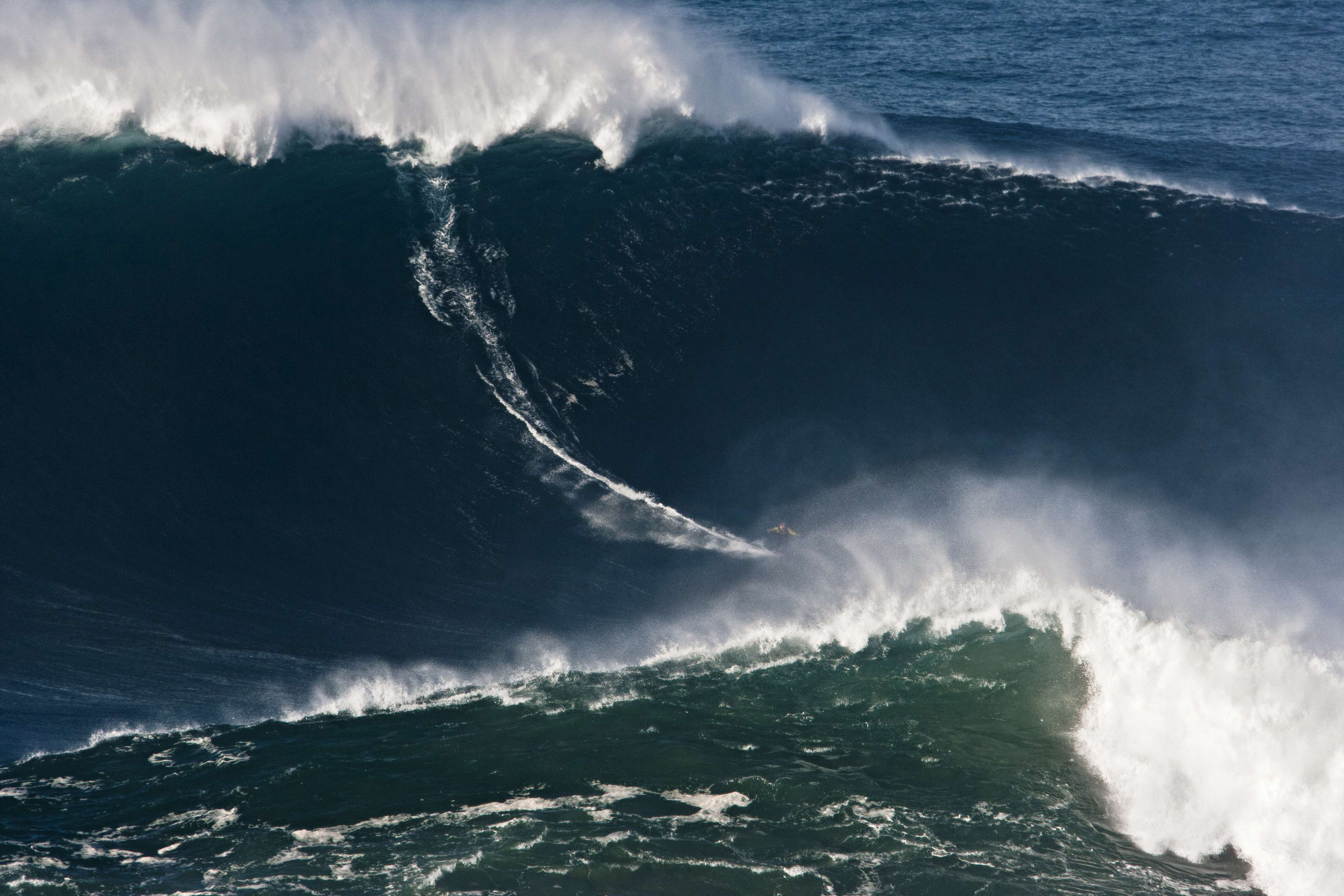Big Wave Surfing, nazare, Portugal