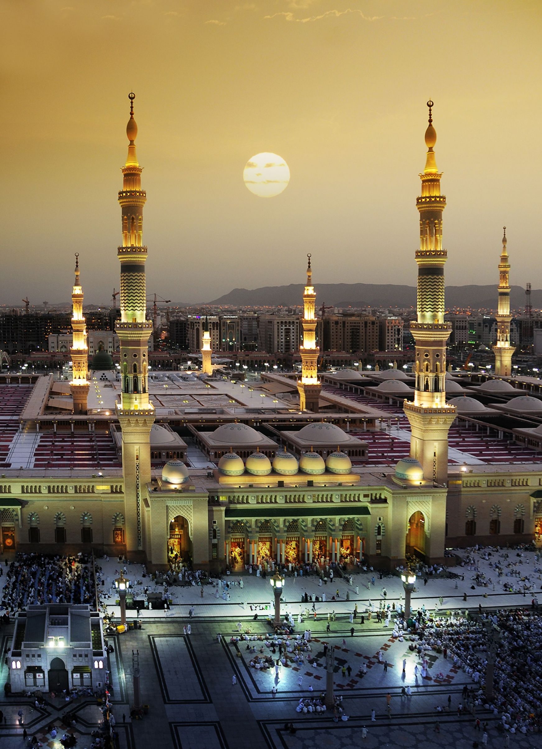 Holy Prophet Mosque, Al Madinah, Saudi Arabia | Travel | @projectinspo